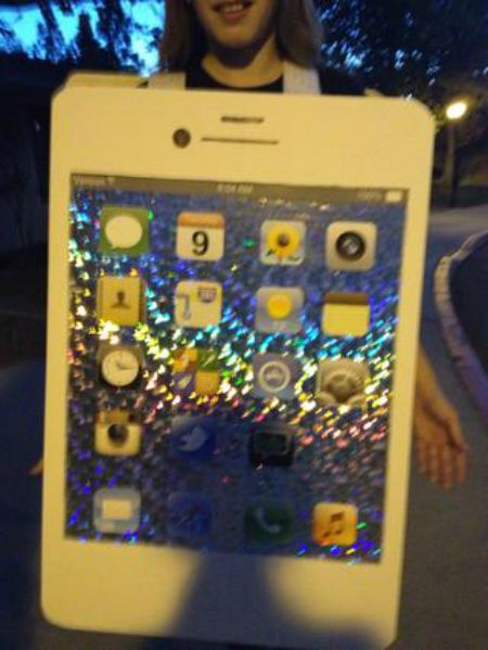 1442001832-iphone-costume